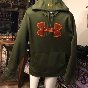 Under Armour men Large hoodie shirt cold gear
